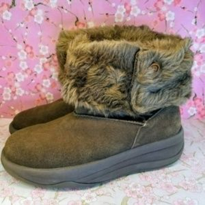 Brown Sketchers fuzzy suede ankle boots